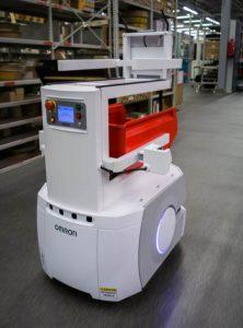 Kuljetusrobotti Kempin elektroniikkatehtaalla